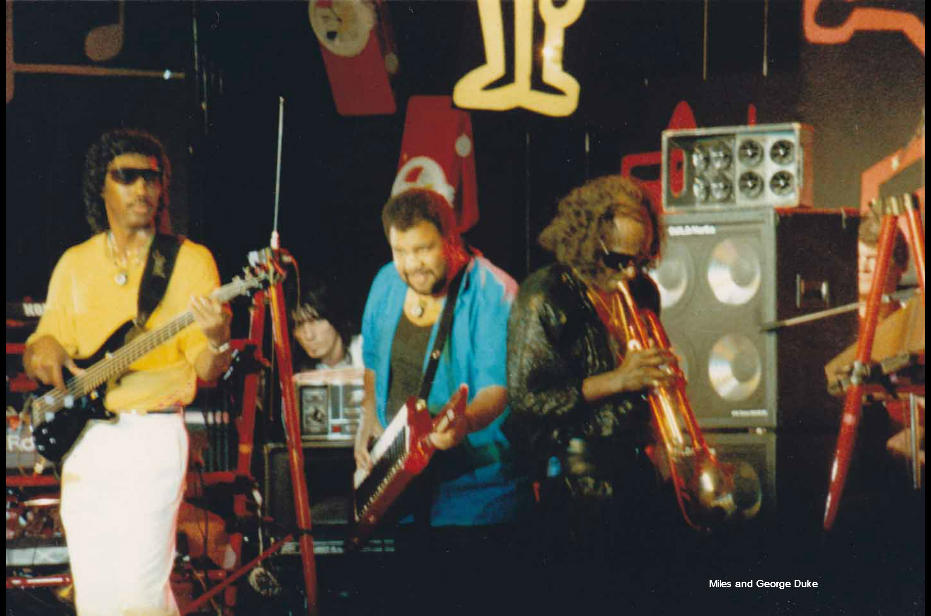 Miles Davis and George Duke playing Electric Jazz Live