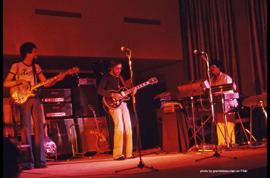Chick Corea and Return to Forever play Electric Jazz Funk live